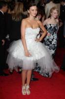 Miranda Kerr - New York - 02-05-2011 - Il Metropolitan Museum rende omaggio allo stilista Alexander McQueen durante l'annuale Costume Institute Gala Benefit