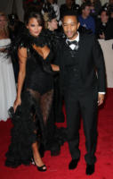 Christine Teigen, John Legend - New York - 02-05-2011 - Il Metropolitan Museum rende omaggio allo stilista Alexander McQueen durante l'annuale Costume Institute Gala Benefit