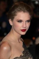 Taylor Swift - New York - 02-05-2011 - Il Metropolitan Museum rende omaggio allo stilista Alexander McQueen durante l'annuale Costume Institute Gala Benefit