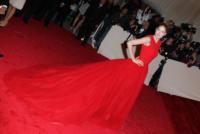 Doutzen Kroes - New York - 02-05-2011 - Il Metropolitan Museum rende omaggio allo stilista Alexander McQueen durante l'annuale Costume Institute Gala Benefit