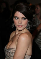 Ashley Greene - New York - 02-05-2011 - Il Metropolitan Museum rende omaggio allo stilista Alexander McQueen durante l'annuale Costume Institute Gala Benefit