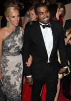 Tory Burch, Kanye West - New York - 02-05-2011 - Il Metropolitan Museum rende omaggio allo stilista Alexander McQueen durante l'annuale Costume Institute Gala Benefit