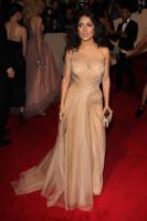 Salma Hayek - New York - 02-05-2011 - Il Metropolitan Museum rende omaggio allo stilista Alexander McQueen durante l'annuale Costume Institute Gala Benefit
