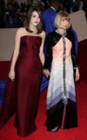 Bee Shaffer, Anna Wintour - New York - 02-05-2011 - Il Metropolitan Museum rende omaggio allo stilista Alexander McQueen durante l'annuale Costume Institute Gala Benefit