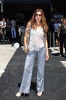 Alba Parietti - Milano - Corsi e ricorsi fashion: dagli anni '70 ecco i pantaloni a zampa