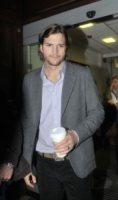 Ashton Kutcher - 10-02-2011 - Ashton Kutcher nuovo protagonista di Due uomini e mezzo
