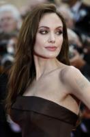 Angelina Jolie - Cannes - 16-05-2011 - In the land of blood and honey di Angelina Jolie esce in tempo per gli Oscar, con una macchia di sangue sul poster