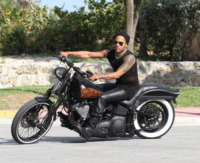 Lenny Kravitz - Miami - 16-05-2011 - More? Bionde? Macchè: gli uomini preferiscono le… moto!