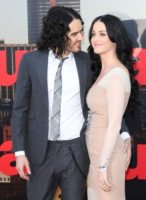 Katy Perry, Russell Brand - Londra - 19-04-2011 - Russell Brand deportato dal Giappone