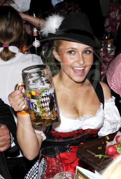 Hayden Panettiere - Monaco - 25-09-2010 - Camilla di Cornovaglia, in vino veritas?
