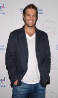 Geoff Stults - Brentwood - 04-10-2006 - La protagonista dello spinoff di Bones e' gia' stata sostituita