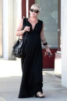 Pink - Los Angeles - 25-05-2011 - Maxi dress: tutta la comodità dell'estate