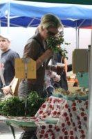 Katherine Heigl - Los Angeles - 08-05-2011 - Dalla fattoria a casa tua, spesa bio da star