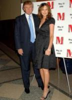 Melania Knauss, Donald Trump - New York - 22-05-2006 - Donald Trump multato per bandiera Usa troppo alta