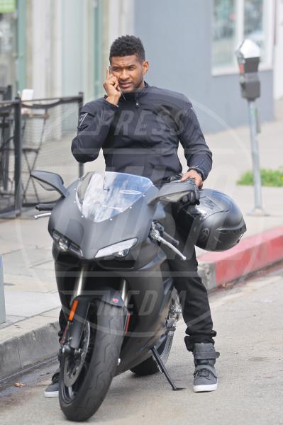 Usher - Los Angeles - 04-06-2011 - Primavera, tempo di sole, caldo e motociclette