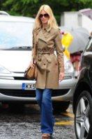 Claudia Schiffer - Londra - 06-06-2011 - L'inverno porta in dote i colori neutrali, come il beige