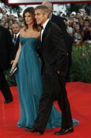 Elisabetta Canalis, George Clooney - Venezia - 17-09-2009 - Italiane vs straniere: chi lo indossa meglio?