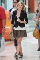 Taylor Swift - 10-09-2010 - Si scrive street-style chic, si legge… Taylor Swift!
