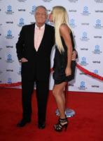 Crystal Harris, Hugh Hefner - Los Angeles - 14-06-2011 - Hugh Hefner premiato dall'associazione Angelwish per i suoi sforzi umanitari