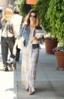 Maria Shriver - Beverly Hills - 21-06-2011 - Maria Shriver ringrazia amici e parenti per il supporto che le stanno dando