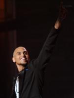 Chris Brown - Los Angeles - 26-06-2011 - Chris Brown di nuovo nei guai per aver preso l'iPhone di una fan