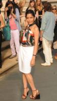 Freida Pinto - New York - 28-06-2011 - Parata di stelle ed eleganza alla sfilata newyorkese Salvatore Ferragamo