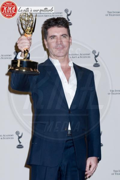 Simon Cowell - New York - 23-11-2010 - Ivana Spagna& Co: le star che non sapevi credessero ai fantasmi