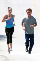 Sean Penn - Malibu - 04-07-2011 - Star come noi: quando i vip vanno di corsa