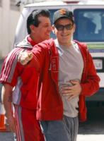 Charlie Sheen - Los Angeles - 05-07-2011 - Charlie Sheen torna in pista e abbraccia Ashton Kutcher