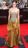 Emma Watson - New York - 07-11-2011 - Emma Watson criticata per il suo taglio corto