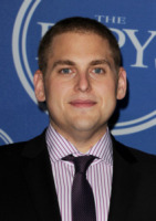 Jonah Hill - Los Angeles - 13-07-2011 - Jonah Hill risponde a una hotline per pubblicizzare The Sitter