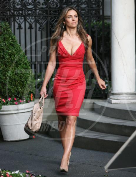 """Elizabeth Hurley - New York - 13-07-2011 - """"A 40 anni non sei più sexy!"""" Sicura, Miley Cyrus?"""