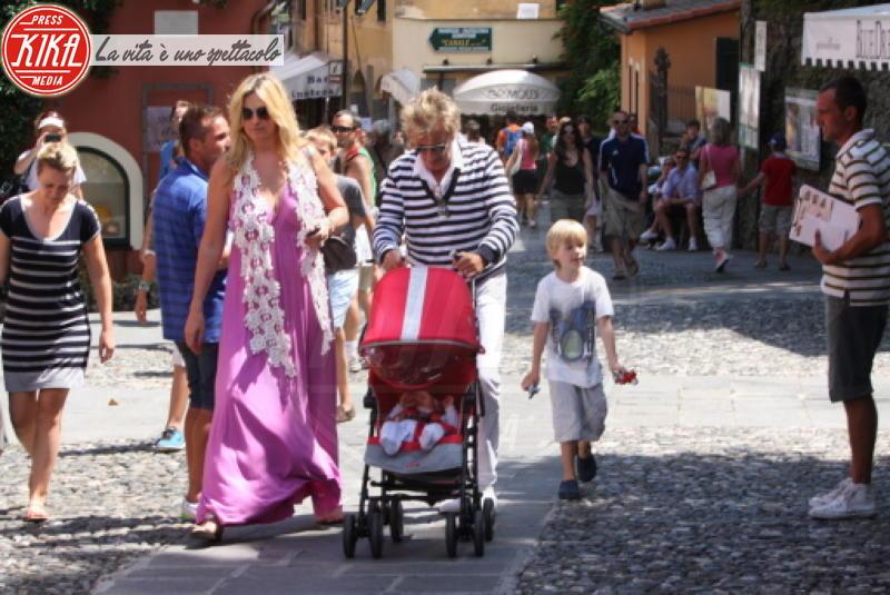 Aiden Stewart, Rod Stewart, Penny Lancaster - Portofino - 24-07-2011 - Estate 2019: i vip turisti abituali in Italia