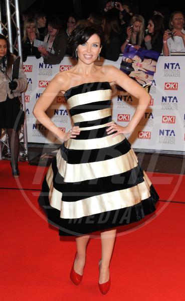 Dannii Minogue - Los Angeles - 05-05-2011 - Sul red carpet, l'optical è… l'optimum!