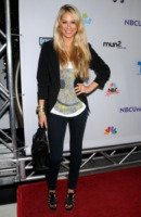 Anna Kournikova - Los Angeles - 01-08-2011 - Anna Kournikova torna a fare la star in tv come allenatrice al reality Biggest loser