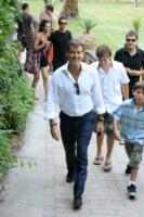 famiglia, Pierce Brosnan - Ravello - 18-08-2009 - Trump e gli altri: i vip in italia per una vacanza 5 stelle