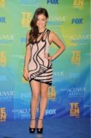 Lucy Hale - Los Angeles - 08-08-2011 - Anne Hathaway nel cast dei Miserabili