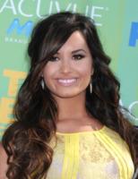 Demi Lovato - Universal City - 07-08-2011 - Essere bionda o essere mora? Questo è il dilemma!