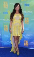 Demi Lovato - Universal City - 07-08-2011 - Demi Lovato torna nel centro in cui si è fatta curare ma come speaker