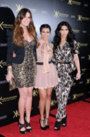 Khloe Kardashian, Kourtney Kardashian, Kim Kardashian - Hollywood - 17-08-2011 - Kim Kardashian vuole presto una gravidanza insieme alle due sorelle