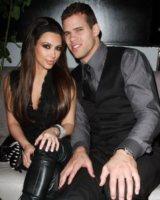 Kris Humphries, Kim Kardashian - Las Vegas - 21-08-2011 - Kim Kardashian vuole presto una gravidanza insieme alle due sorelle