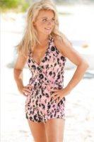 Geri Halliwell - Londra - 23-08-2011 - Spaggia: l'alternativa al bikini. Costume intero o trikini?