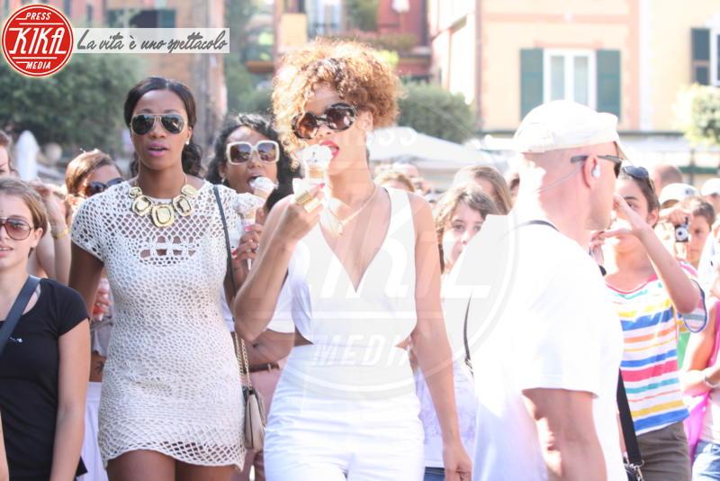 Rihanna - Portofino - 25-08-2011 - Trump e gli altri: i vip in italia per una vacanza 5 stelle
