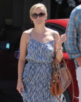 Reese Witherspoon - Los Angeles - 26-08-2011 - Reese Witherspoon ha un occhio nero