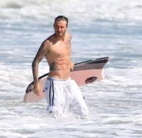 David Beckham - Malibu - 28-08-2011 - David Gandy è diventato papà: ora anche lui è un DILF...