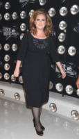 Adele - Los Angeles - 29-08-2011 - Adele sta bene dopo l'operazione e ringrazia i fan