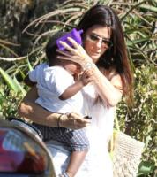 Louis Bullock, Sandra Bullock - Hollywood - 30-08-2011 - Mamme single? Sì, con stile e... di successo!