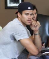 Kris Humphries, Kim Kardashian - Beverly Hills - 15-06-2011 - Taylor Lautner non disdegna il paragone con Kris Humphries
