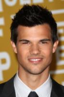 Taylor Lautner - Hollywood - 05-08-2011 - Taylor Lautner non disdegna il paragone con Kris Humphries