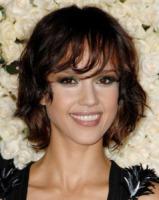 Jessica Alba - Los Angeles - 08-02-2010 - Essere bionda o essere mora? Questo è il dilemma!